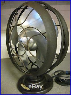 1930's Antique Vintage Emerson 12 Silver Swan Oscillating Desktop Fan Art Deco