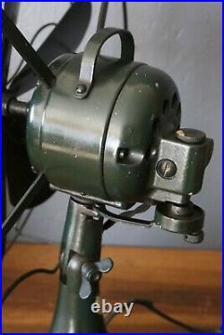 Antique 6 blade Industrial fan 16 Oscillating Fan Military Green 3 speed Vtg