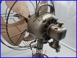 Antique GE General Electric Vortalex Electric Oscillating Desk Fan FM12V1