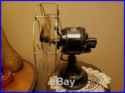 Antique Robbins & Myers gearback tank oscillating fan 11530