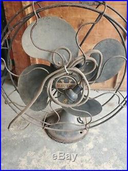 Antique / Vintage Victor Desktop Table Fan Model 120 Electric