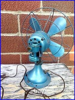 Antique Westinghouse Oscillating Desk Fan Model 868452