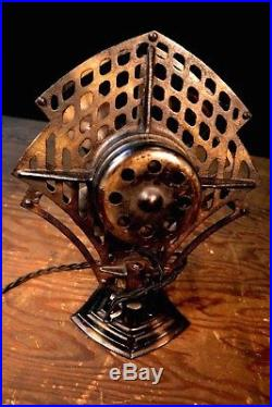 Beautiful Antique Artdeco Modernistic Robbins & Myers Oscillating Electic Fan