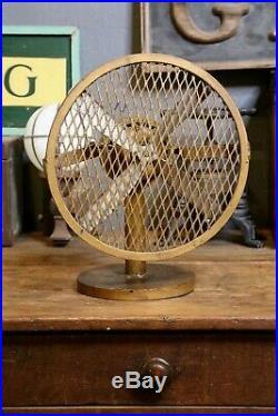 Vintage Industrial electric Fan Cast Aluminum Propeller Blades Desk Top Antique